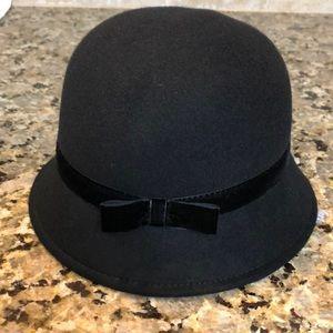 BNWT- Girl's XS Gymboree Black Hat w/ Bow